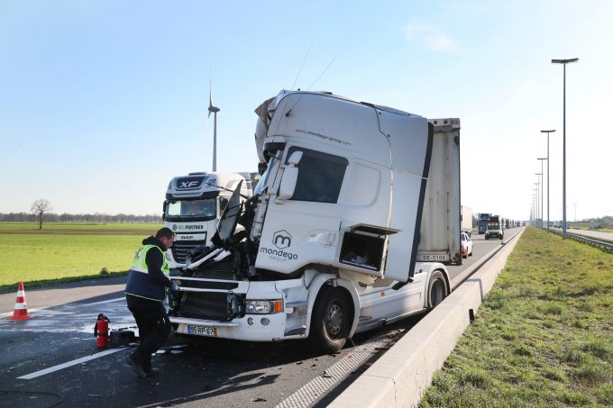 BFM Ongeval E19 Loenhout