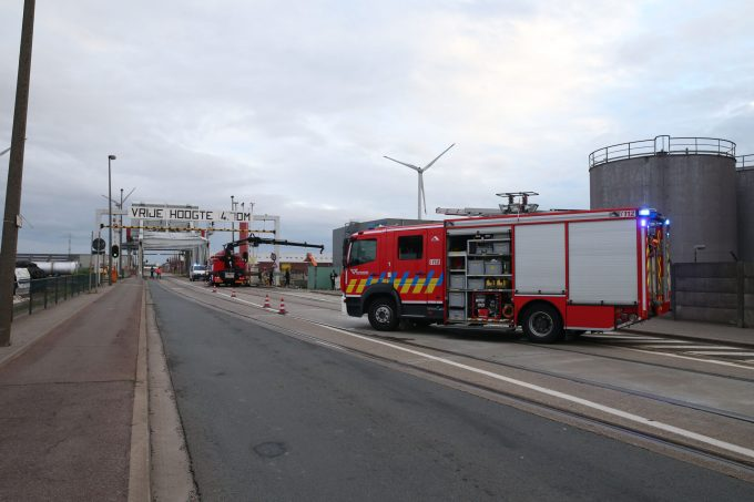 BFM Auto te water Antwerpen